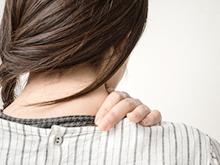 肩こりと顔のむくみの関係性